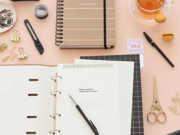 Saiba qual caneta utilizar em papel preto